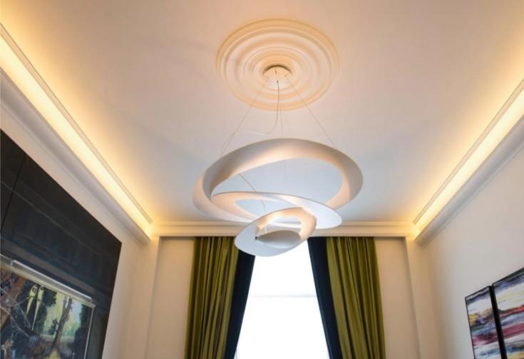 Люстры для натяжных потолков: фото-примеры в разных стилях интерьера