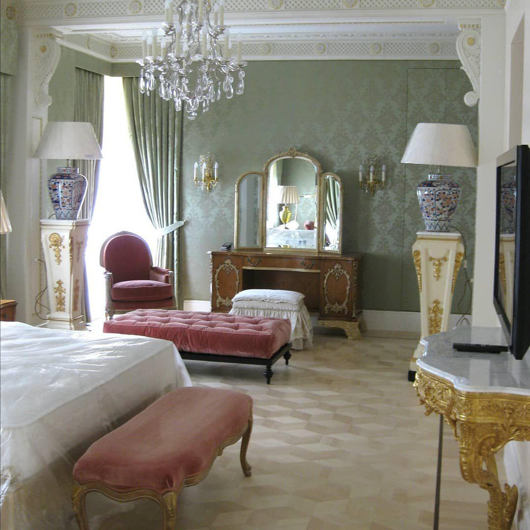 (+52 фото) Фисташковый цвет в интерьере гостиной