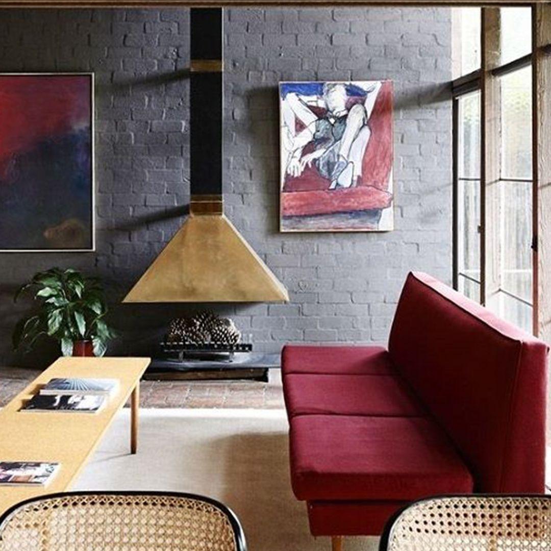 (+52 фото) Бордовый цвет в интерьере гостиной