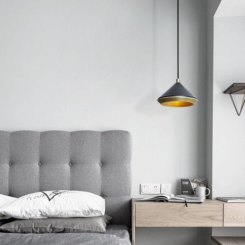 (+58 фото) Точечные светильники в интерьере гостиной