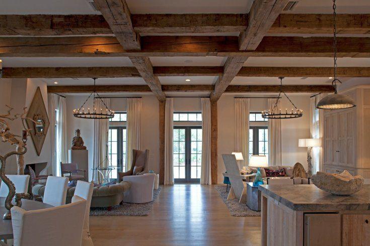 Балки на потолке в интерьере фото