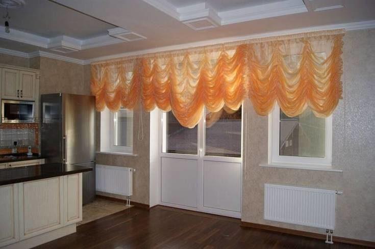(+82 фото) Шторы на кухню с балконной дверью