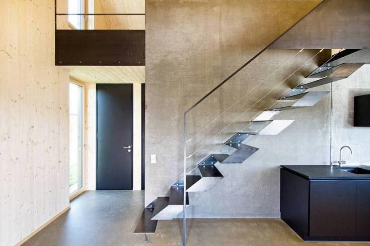 Интерьер холла с лестницей в частном доме фото