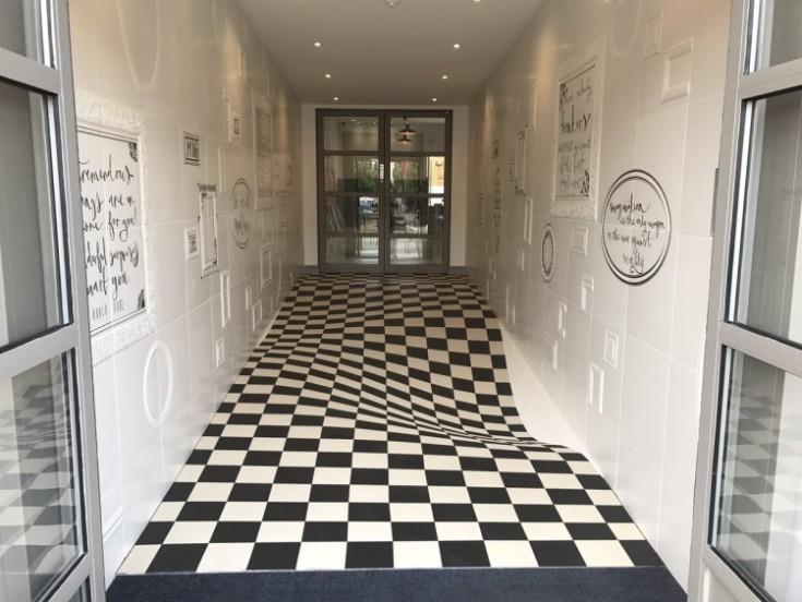 Плитка в коридор в интерьере квартиры