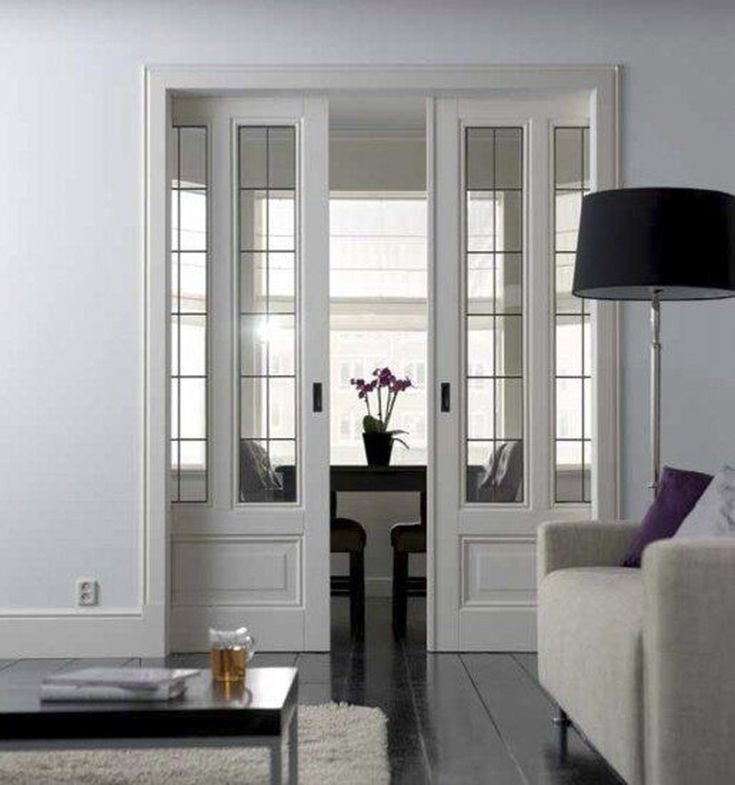 (+75 фото) Межкомнатные двери со стеклом в интерьере квартиры фото