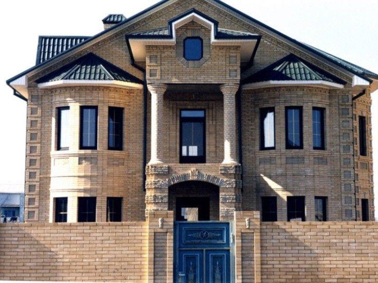 Кирпичные фасады домов: виды укладки 54 фото