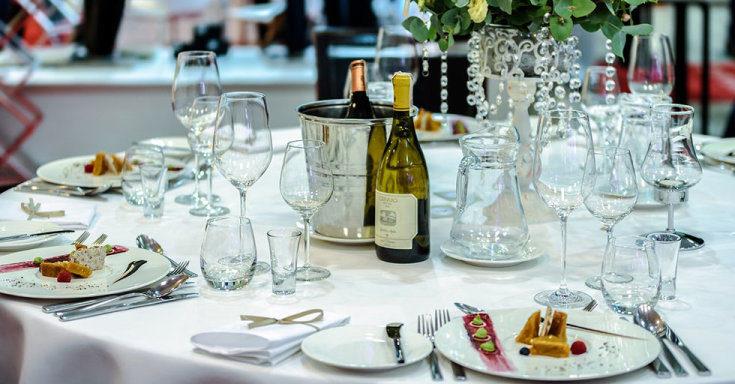 (+130 фото) 50 идей красивой современной сервировки праздничного стола: посуда, салфетки, декор + 130 ФОТО